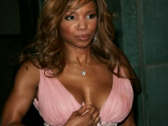 Various press photos of the sexy and gorgeous Elise Neal