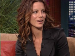 Kate Beckinsale is very sexy babe that will make your boner hard